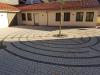 kleiner Dorfplatz am Rathaus
